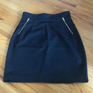 H&M size 8 pencil skirt. Gently used